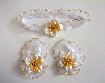 Cream Flower with gold color button Baby Barefoot Sandals and headband-Barefoot Sandals-Handmade Baby Sandals with Cute Yoyo