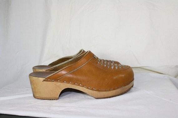 vintage 1970's Swedish leather clogs 9.5W