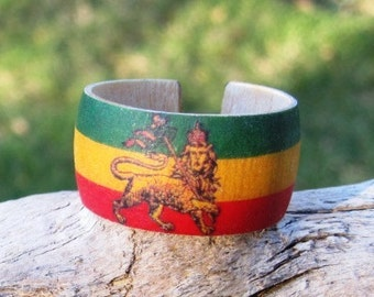 Rastafari -- Adjustable Wood Ring