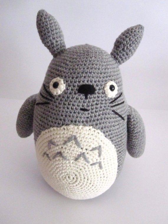Amigurumi Totoro Anleitung : Big Totoro inspired amigurumi totoro plush totoro softy.