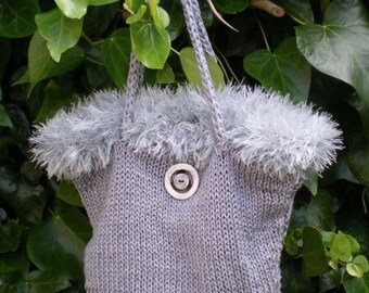Silver knitted party handbag fuzzy edge