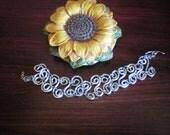 Wacky bracelet