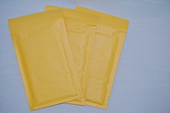 50 Bubble Mailers Envelopes - Size 000 - New Supply