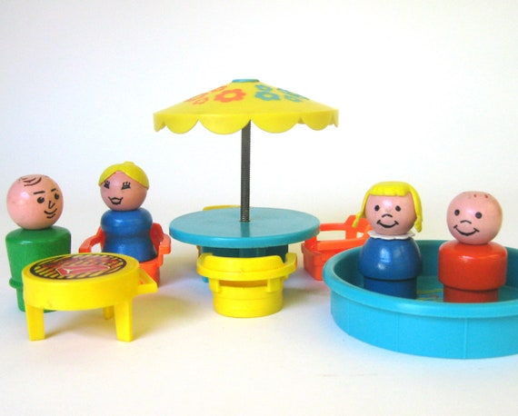 Vintage 1970 Fisher Price Little People Patio Set -726- Play Family House Accessory