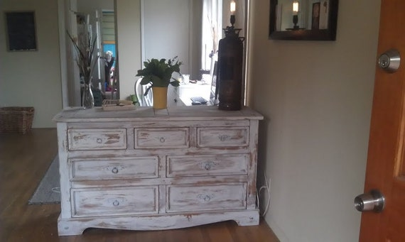 Distressed dresser, perfect condition