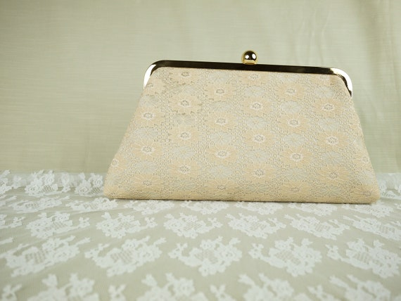 Handmade full lace classy bride bridsmaid clutch by Alice
