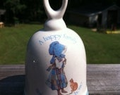 """SALE -- Vintage 1978 Holly Hobbie Collectible Stoneware Bell. """"A Happy Family Makes A House A Home"""". SO Cute. Pretty. EXCELLENT Condition."""