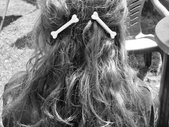 One bone hair clip