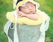 Bumble Bee Bonnet Hat and Leg Warmers with lace - PDF Pattern-star stitch