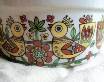 Vintage Casserole Pottery Crock Dish Birds Excellent Condition