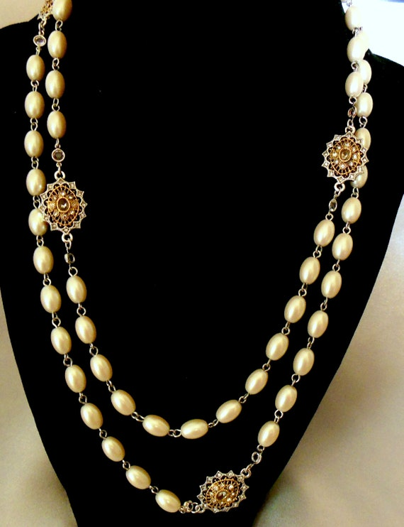 Simulated Pearl Necklace with Gold Medallions