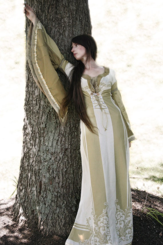 Leilatha's Ivory Gold Gown Elven