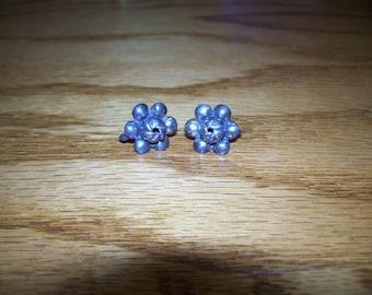 FREE SHIPPING in the U.S.--Vintage Sterling Silver Screw-on Flower Earrings
