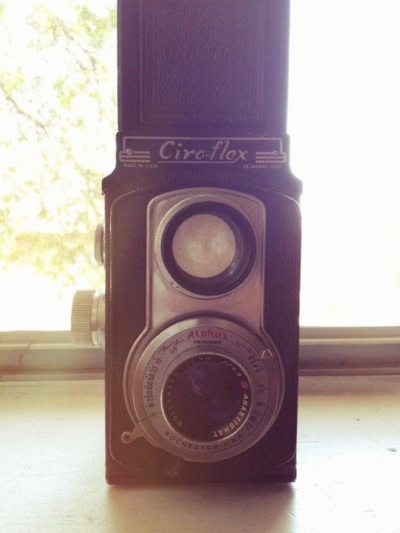 Vintage Ciroflex 120mm TLR Camera With f3.5/85mm Lens