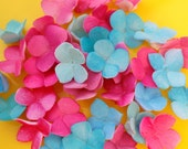 Edible Sugar Flowers Hydrangeas Cake Decoration  qty 25 - for cupcakes, wedding cakes, birthday cakes, baby shower, garden party