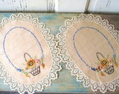 Oval Doilies, Vintage Doily, Doilies with Embroidered Baskets and Lace Trim, Vintage Linens, Embroidered Doily Set of 2