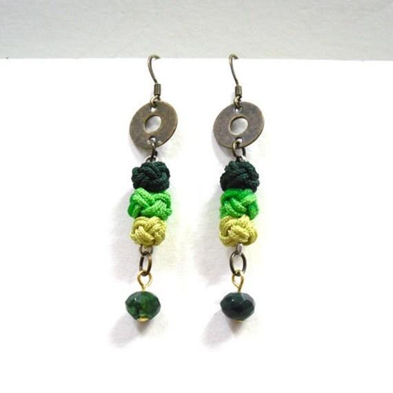 Green Knot Earrings - Korean traditional needlework