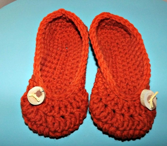 Crochet Slippers womens size 5-6 orange house shoes with handmade wood button