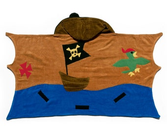 FREE PERSONALIZATION! Embroidered  Kidorable Pirate Hooded Bath Towel, Kids bath towel,