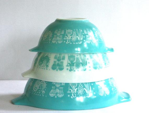 Set of 3 VINTAGE PYREX MIXING Bowls Amish Butterprint Rare