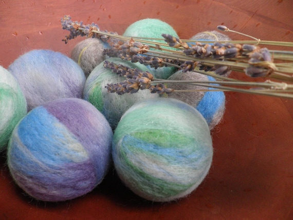 Wool Dryer Balls, lavender filled wool balls. Set of 6, ready to go. Eco friendly laundry aid. Unique gift under 30. Natural home decor.