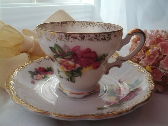 SALE 40% Footed Teacup Vintage Tea Cup Farmhouse Shabby Cottage Style Japanese Hal-Sey Shabby Pink Roses