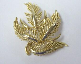 Vintage LISNER Gold Fern Leaf Brooch Pin