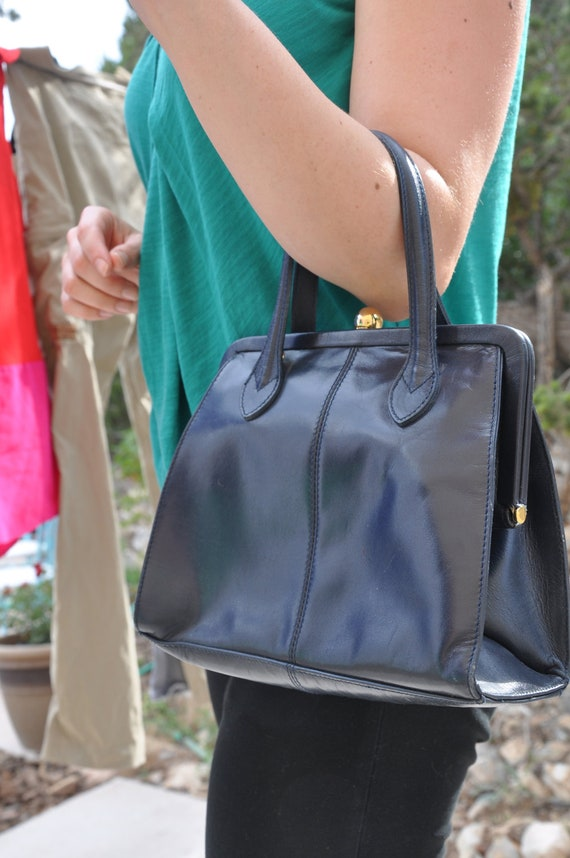 Lady and the Purse: Navy Blue Leather Ladies' Purse