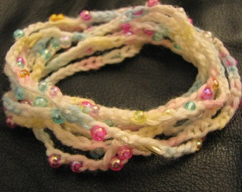 Crochet bracelet with a little beads