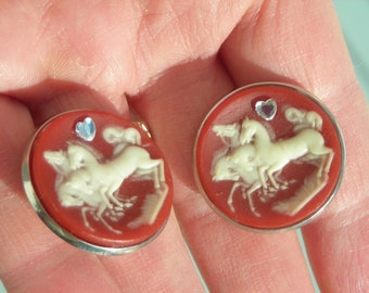 Amazing cream on red-brown color HORSE 3-D CAMEO clip-on earrings