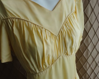 30s Dress // 30s Gown // Vintage 1930s  Pale Yellow Gown with Side Snaps Size S