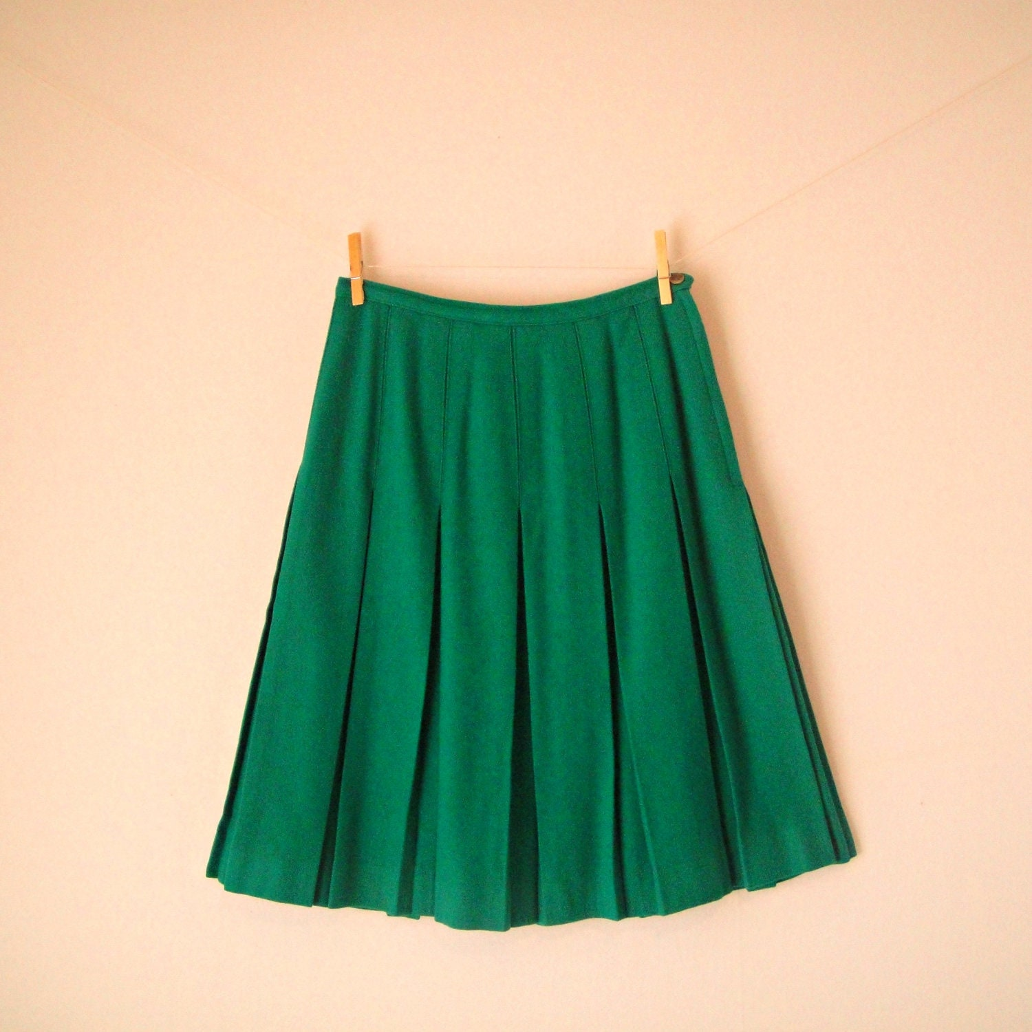 vintage 50s green pleated flare skirt wool by gypsyplunder