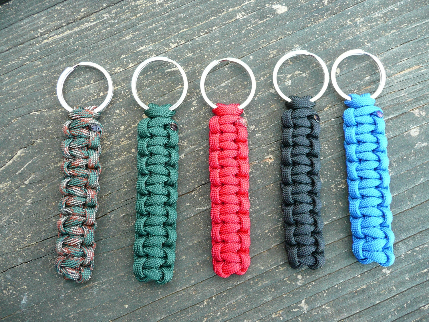 Solid color paracord survival keychains for How to make a keychain out of paracord