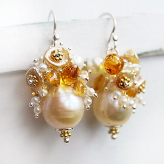 M E L O S O - Cascade Pearl Earrings