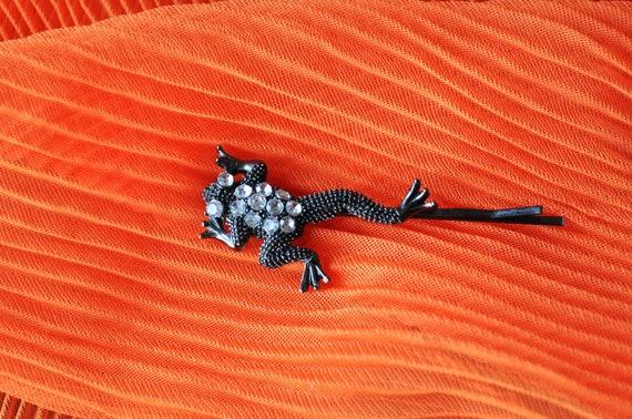 Listing for Jeri ------  Vintage Rhinestone Frog Hair Pin