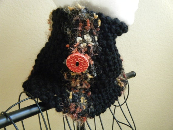 Nubby, bulky knit cowl with ceramic button