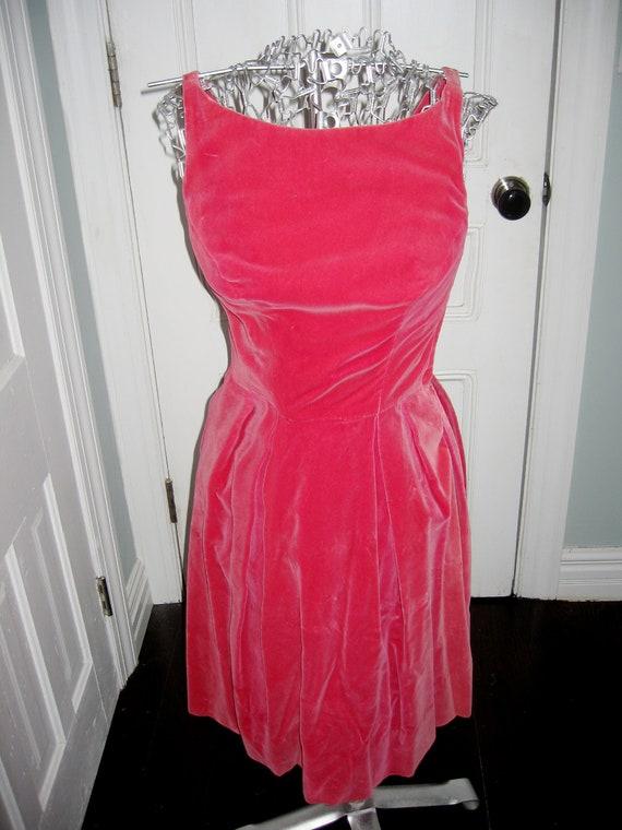 1960s Vintage Pink Velvet Party Dress - Small