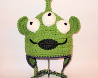 Crochet Pattern PDF Alien Hat. Beanie and Earflap. (All Sizes Included: Newborn to Adult). Permission to sell finished items.