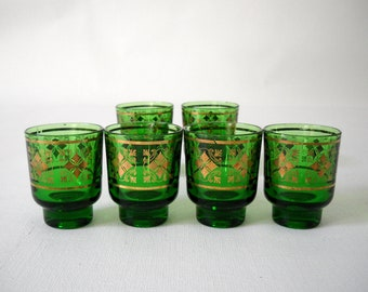 Set of 6 green glass shot glasses with gold pattern