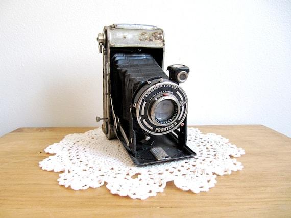 Vintage Prontor Camera
