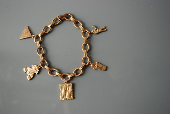 Vintage 70s Egyptian Revival Gold Tone Charm Bracelet