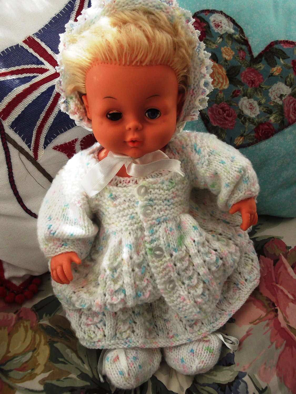 Small Toy Dolls : S tiny tears doll