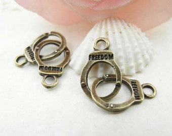 20pcs 10x30mm Antique Brass Vintage Handcuffs Charms Pendants, Handcuffs Charms Connector