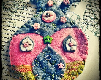 Felt Fairy House Brooch