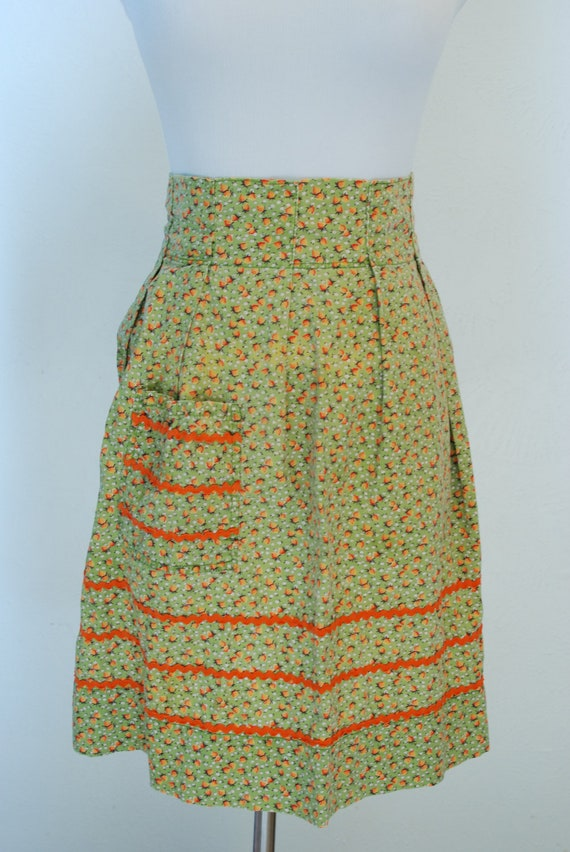 Vintage apron - green with strawberries