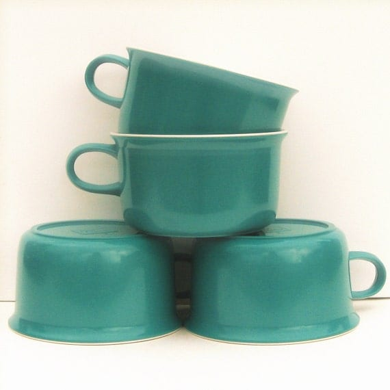 Vintage Melamine Cups Set of 4 by Allied Chemicals, Aqua and White Two Tone