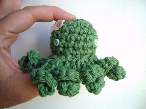 Minnie Octopus -handmade crochet, made to order, flower may vary