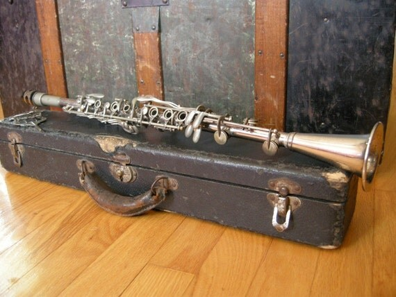 Vintage Metal Bb Soprano Clarinet with Case and Mouthpiece
