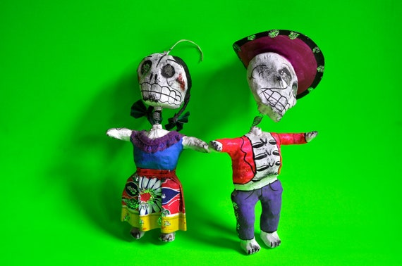 Day of the Dead bobble head skellies