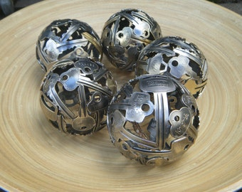 Mini 8.5 cm key ball, Key sphere, Metal sculpture ornament